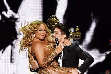 Bryan Tanaka Lionel Richie Performs With Guest Mariah Carey in Concert - New York, New York
