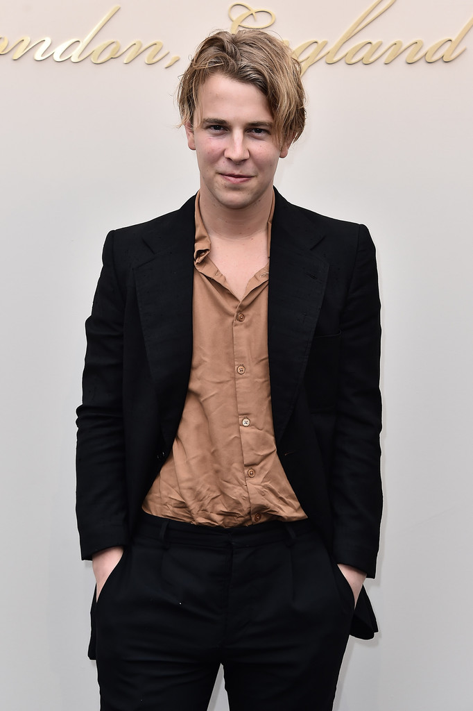 tom odell in burberry womenswear february 2016 show