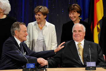 Eva Koehler Bush, Gorbachev And Kohl Celebrate 20 Years Fall Of The Berlin Wall