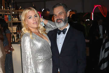 Busy Philipps Marc Silverstein 27th Annual Elton John AIDS Foundation Academy Awards Viewing Party Celebrating EJAF And The 91st Academy Awards With Cocktails By CÎROC Vodka And Tequila Don Julio