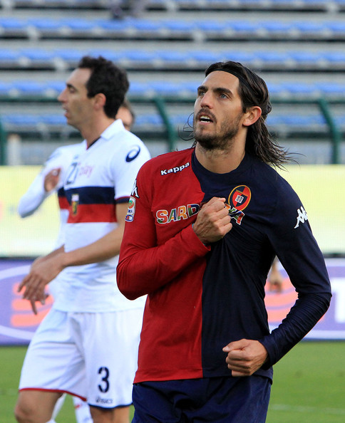 Joaquin Larrivey of Cagliari celebrates after