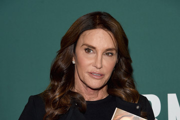 Caitlyn Jenner Caitlyn Jenner Signs Copies of Her New Book 'The Secrets of My Life'