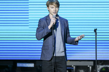Calum Worthy 'Keep It Clean' To Benefit Waterkeeper Alliance