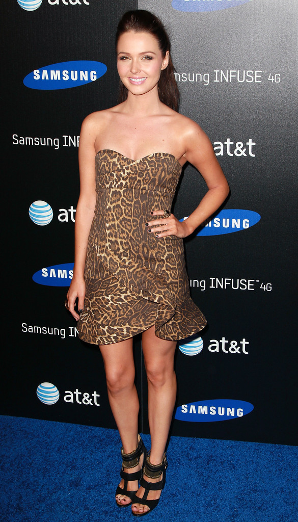 http://www3.pictures.zimbio.com/gi/Camilla+Luddington+Samsung+Infuse+4G+Launch+IcJoAWDQivRx.jpg