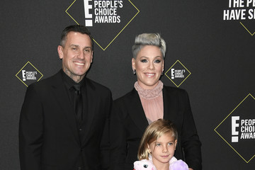 Carey Hart 2019 E! People's Choice Awards - Arrivals