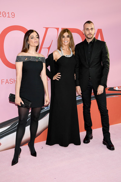 CFDA Fashion Awards - Arrivals [little black dress,red,fashion,event,dress,footwear,leg,thigh,carpet,premiere,arrivals,julia restoin roitfeld,vladimir restoin roitfeld,carine roitfeld,cfda fashion awards,new york city,brooklyn museum of art]