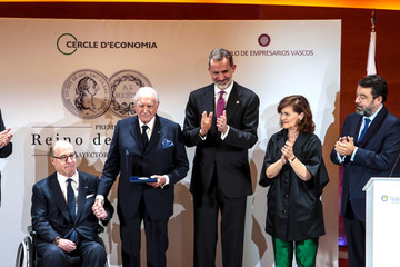 Carmen Calvo King Felipe Of Spain Delivers Business Award To Mariano Puig