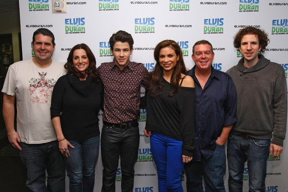 Elvis Duran And The Morning Show Skeery
