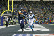 Tight end Jimmy Graham #88 of the Seattle Seahawks scores a touchdown against the Carolina Panthers at CenturyLink Field on December 4, 2016 in Seattle, Washington.