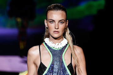 Caroline Trentini DSquared2 - Runway - Milan Fashion Week SS16