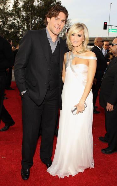 Mike Fisher Carrie Underwood Carrie Underwood Photos 52nd Annual Grammy Awards Arrivals Zimbio