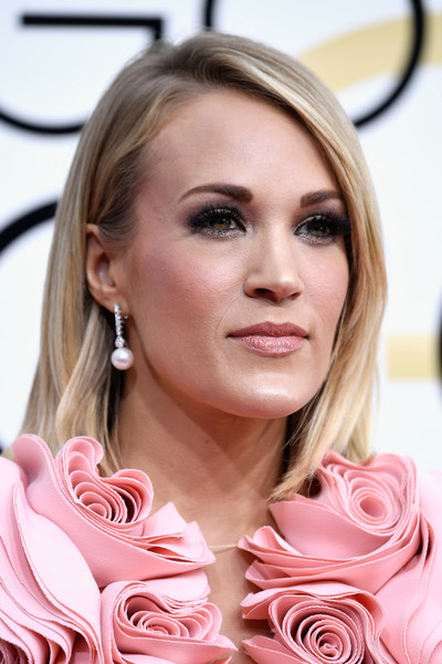 74th Annual Golden Globe Awards - Arrivals [hair,face,blond,pink,hairstyle,beauty,lip,eyebrow,skin,cheek,arrivals,carrie underwood,beverly hills,california,the beverly hilton hotel,golden globe awards]