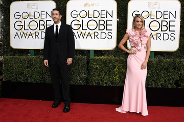 Carrie Underwood 74th Annual Golden Globe Awards - Arrivals
