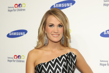 Carrie Underwood Arrivals at the Samsung Hope for Children Gala