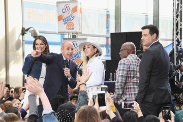 Carson Daly Miley Cyrus Performs on NBC's 'Today'