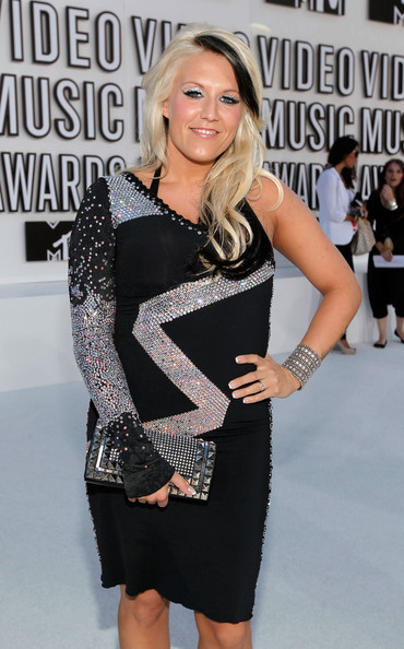 Cascada Singer Cascada arrives at the 2010 MTV Video Music Awards at NOKIA Theatre L.A. LIVE on September 12, 2010 in Los Angeles, California.
