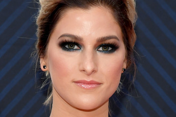 Cassadee Pope The 52nd Annual CMA Awards - Arrivals