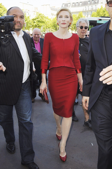 Cate Blanchett Cate Blanchett arrives for the Giorgio Armani Prive Haute Couture Fall/Winter 2011/2012 show as part of Paris Fashion Week at Palais de Chaillot on July 5, 2011 in Paris, France.