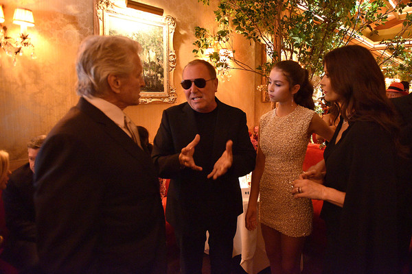 Town & Country 2018 New Modern Swans Celebration With Michael Kors, Catherine Zeta-Jones, And Carys Douglas