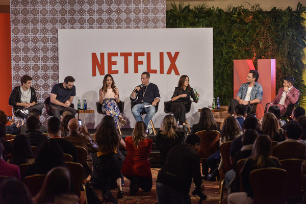 Netflix Slate Event 2018 in Colombia [local originals,event,community,performance,musical ensemble,crowd,stage,music,concert,house,musician,vp,r,miguel herran,erik barmack,camila sodi,charlie cox,colombia,netflix,netflix slate event]