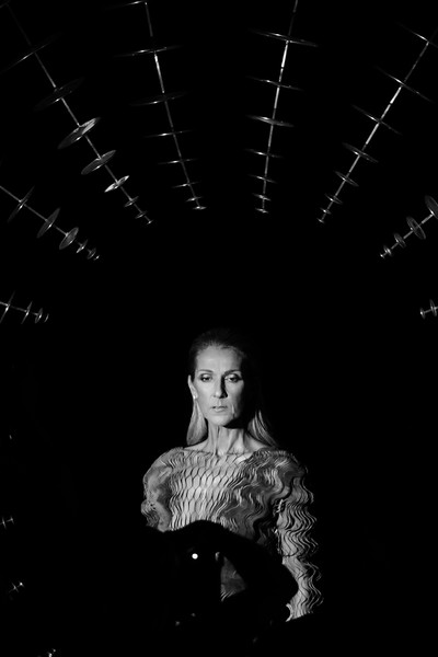 Iris Van Herpen : Runway - Paris Fashion Week - Haute Couture Fall/Winter 2019/2020 [haute couture fall,editors note,image,black,white,photograph,black-and-white,monochrome photography,monochrome,darkness,photography,flash photography,portrait,iris van herpen,celine dion,part,runway,paris,paris fashion week,show]