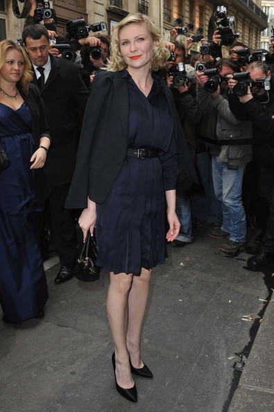 Kirsten+Dunst in Chanel - Arrivals - Paris Fashion Week Haute Couture S/S 2011