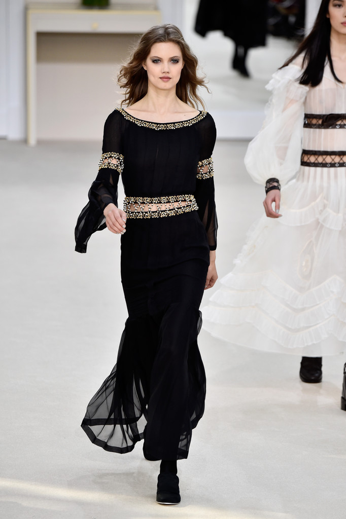 Lindsey Wixson in Chanel : Runway