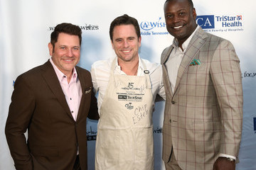 Charles Esten Waiting for Wishes Celebrity Waiters Dinner hosted by Kevin Carter and Jay DeMarcus