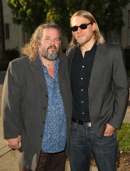 """Premiere Of FX's """"Sons Of Anarchy"""" Season 2 - Arrivals"""