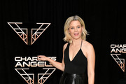 "Elizabeth Banks attends the ""Charlie's Angels"" photo call at the Whitby Hotel on November 07, 2019 in New York City."