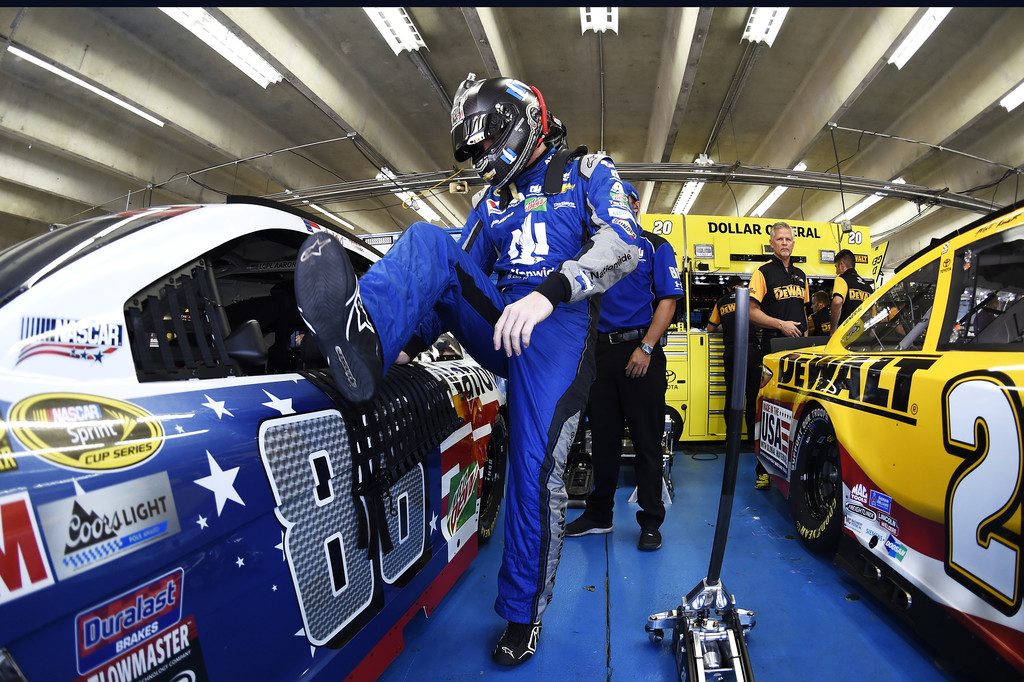Dale earnhardt jr photos photos charlotte motor for Charlotte motor speedway pictures