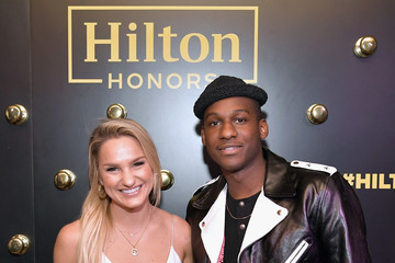 Chelsea Briggs Leon Bridges Performs At Waldorf Astoria Beverly Hills Exclusively For Hilton Honors Members