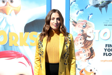 Chelsea Peretti Premiere of Warner Bros. Pictures' 'Storks' - Arrivals