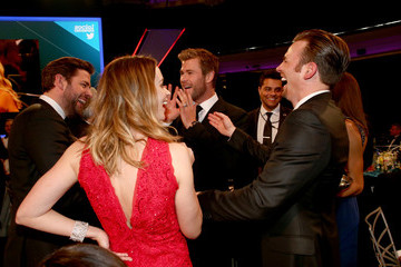 Chris Hemsworth Inside the Critics' Choice Movie Awards