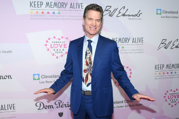 Chris Isaak Keep Memory Alive Honors Neil Diamond At 24th Annual Power Of Love® - Red Carpet