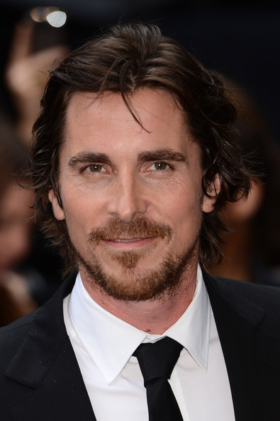 http://www3.pictures.zimbio.com/gi/Christian+Bale+Dark+Knight+Rises+European+255ssh3re8kl.jpg