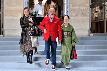 Christian Louboutin Christian Dior : Tunnel - Paris Fashion Week Womenswear Spring/Summer 2017