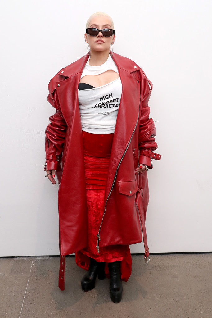Christina Aguilera posese backstage at the Christian Cowan Show during New York Fashion Week at Gallery II at Spring Studios on September 8, 2018 in New York City.