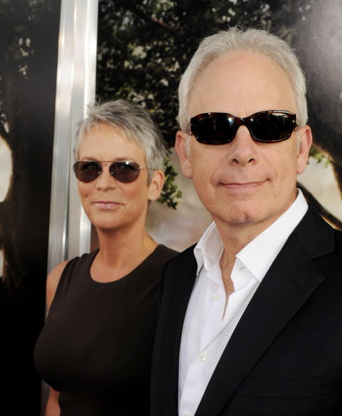 Christopher guest photos photos premiere of warner bros for Jamie lee curtis husband christopher guest