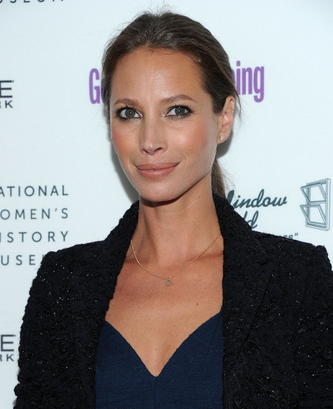 Christy Turlington - Wallpaper Gallery