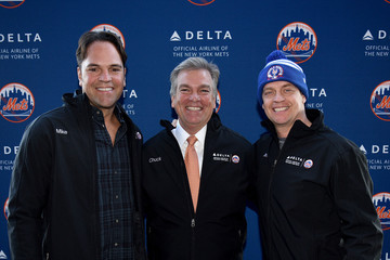 Chuck Imhof Delta Air Lines Shuttles Fans To Citi Field For The World Series