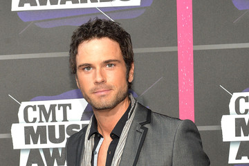 Chuck Wicks Arrivals at the CMT Music Awards