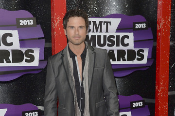 Chuck Wicks Arrivals at the CMT Music Awards — Part 2