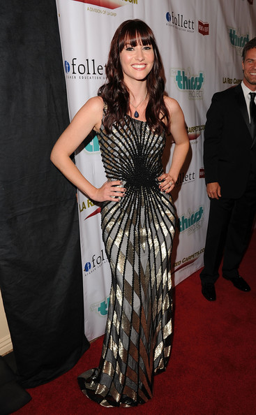 http://www3.pictures.zimbio.com/gi/Chyler+Leigh+2nd+Annual+Thirst+Project+Gala+1v4JTBpYSOSl.jpg
