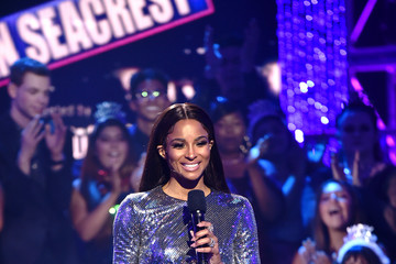 Ciara Dick Clark's New Year's Rockin' Eve with Ryan Seacrest 2020 Hollywood Party - Hollywood Party Performances