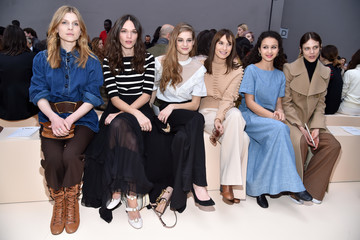 Clemence Poesy Chloe : Front Row - Paris Fashion Week Womenswear Fall/Winter 2017/2018