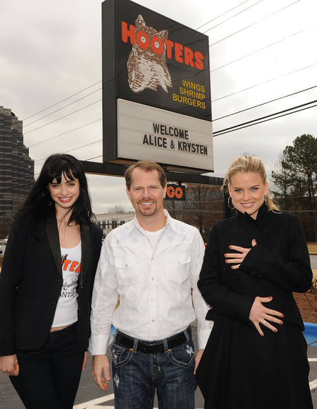 "Alice Eve & Krysten Ritter Become ""Honorary Hooters Girls"""