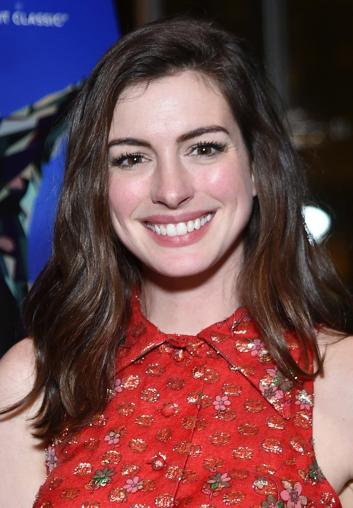 Anne Hathaway Photos Photos - 'Colossal' New York Premiere ...