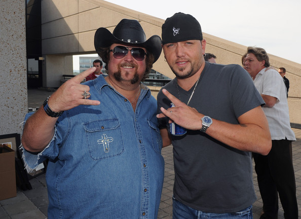 Colt Ford Dirt Road Anthem
