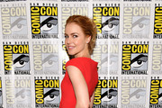 Amanda Schull Photos Photo